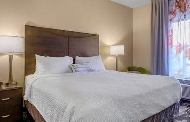 Fairfield Inn & Suites by Marriott Slippery Rock, Resonance