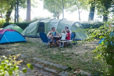 Camping de Paris - Pedestrian Pitch