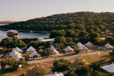 The Garden Resort - DIY Camping Pitch