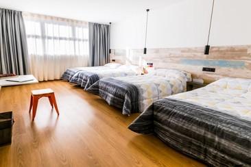 Far Home Hostel Bernabeu