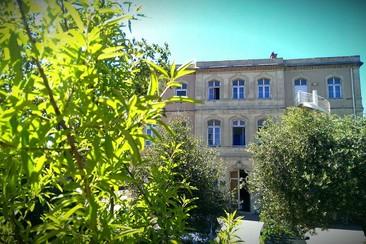 Auberge de Jeunesse HI Marseille Bois Luzy