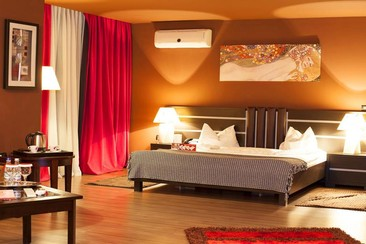 Hotel Phoenicia Express