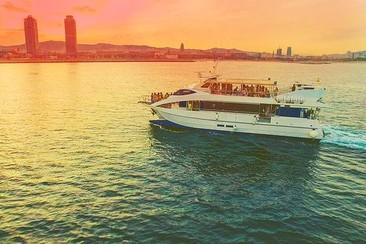 Fiesta en barco Champagne Sunset Barcelona