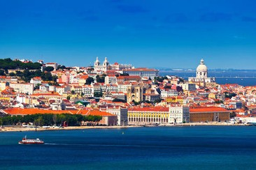 Experience Lisbon: Small-Group Walking Tour with Food and Wine Tastings