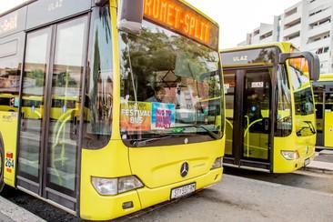 Pase de autobús de enlace para el festival