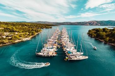 The Yacht Week: Girls Standard Yacht (Week 29. 13 - 20 July)