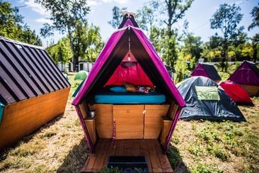 Wooden Hut @ Beach Camping
