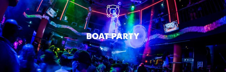 Extras: fiesta en barco