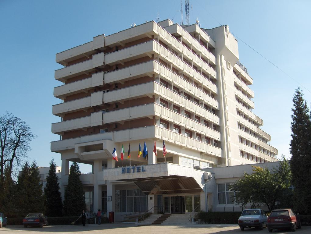 Entrada + Hotel Belvedere
