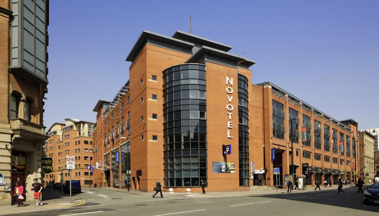 Entrada + Novotel Manchester Centre