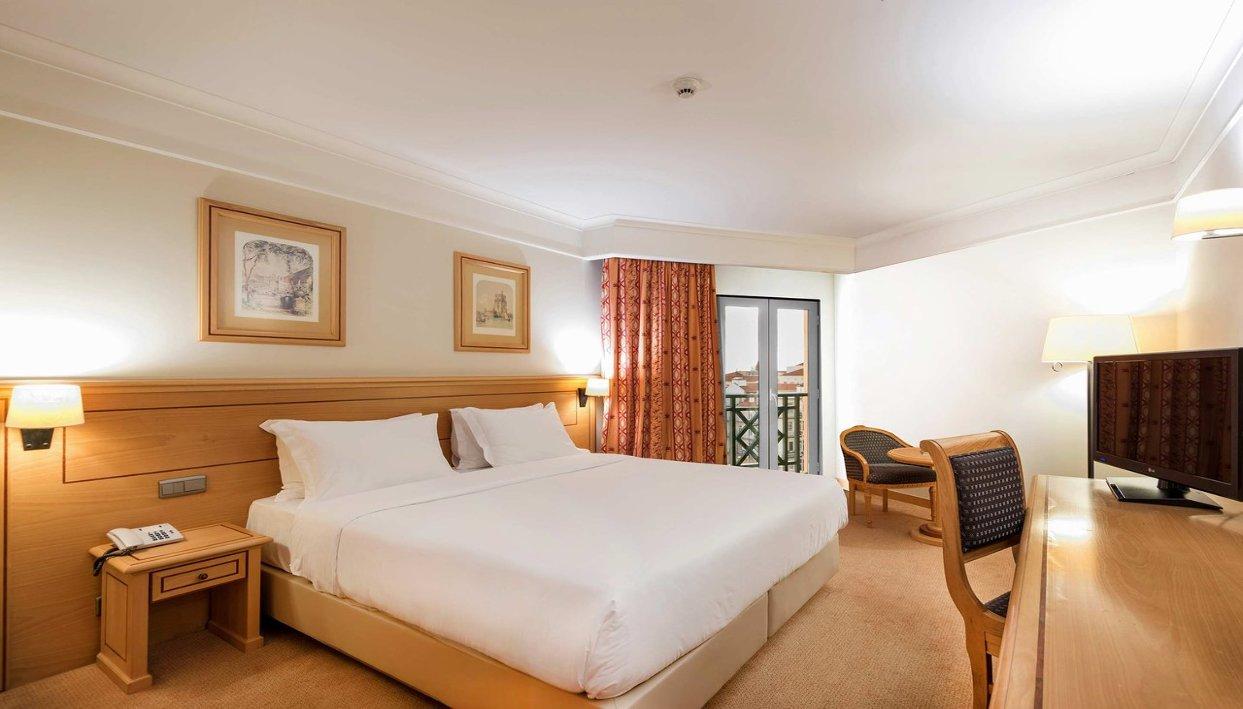 Bilhete + Hotel Real Palácio
