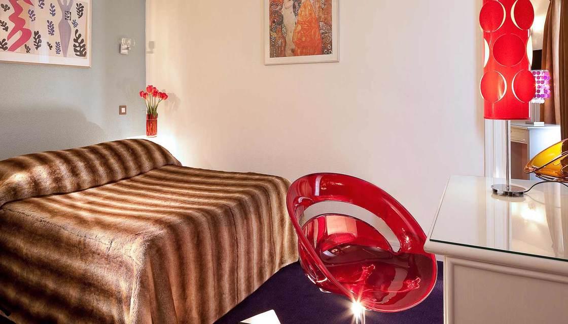 Entrada + Hotel Le Hameau de Passy