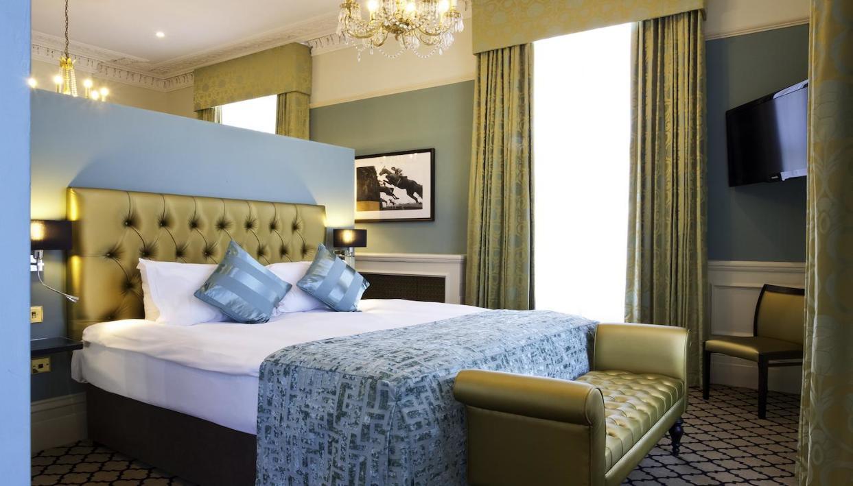 Ticket + Queens Hotel Cheltenham
