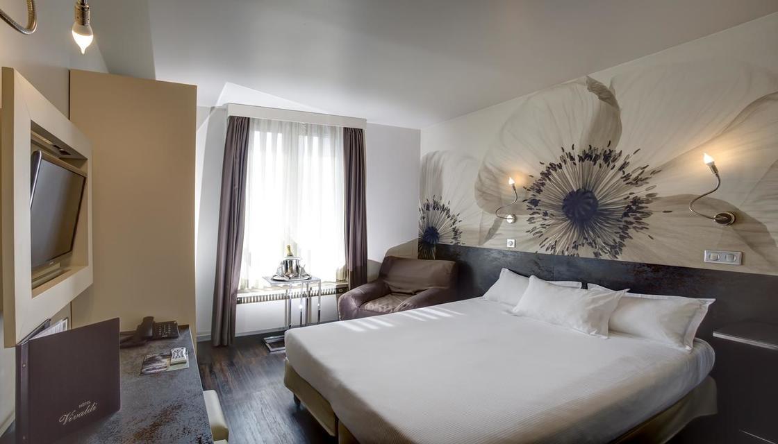 Entrada + Hotel Vivaldi