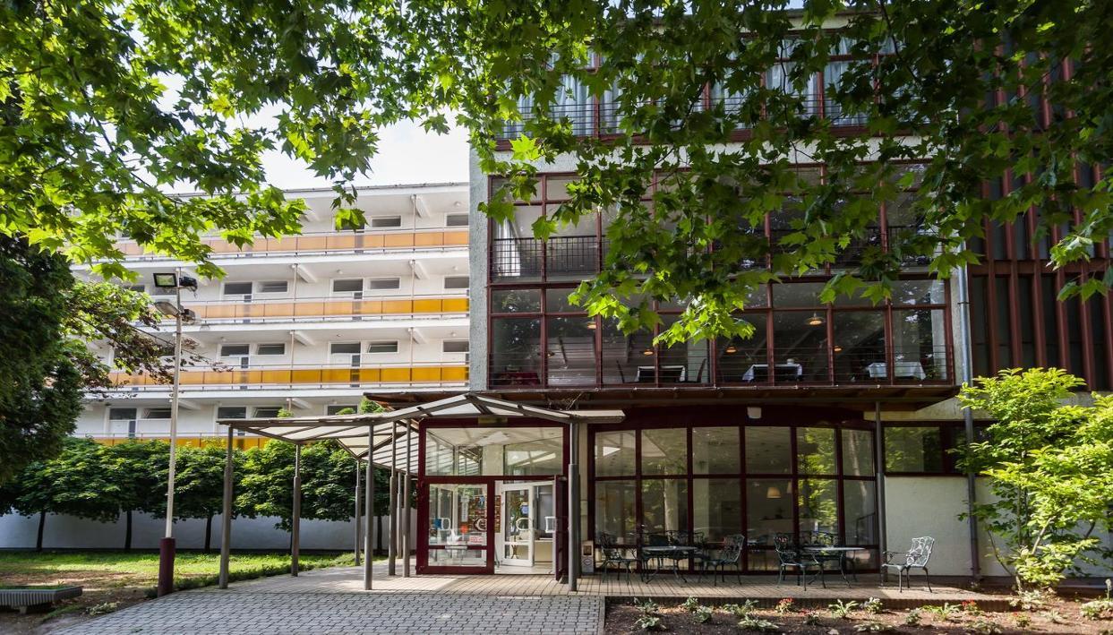 Ticket + CE Napfény Hotel