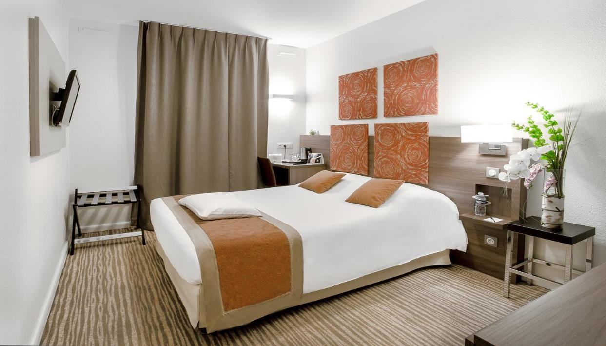 Billet + Hotel Kyriad Chambery Centre Curial