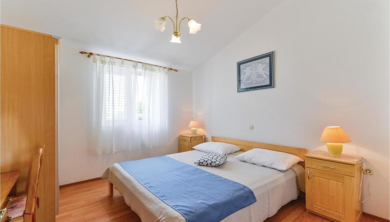 Ticket + 3* Apartment in Barbati Area