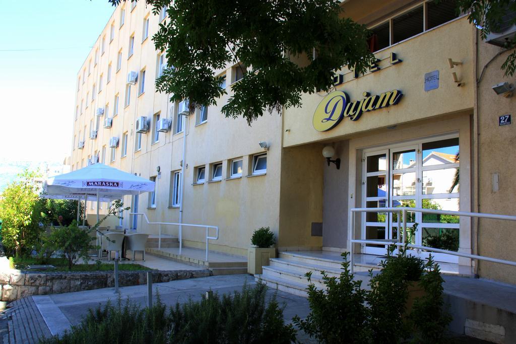Ticket + Hotel Dujam