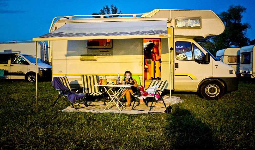Ticket + Caravan @ Beach Camping